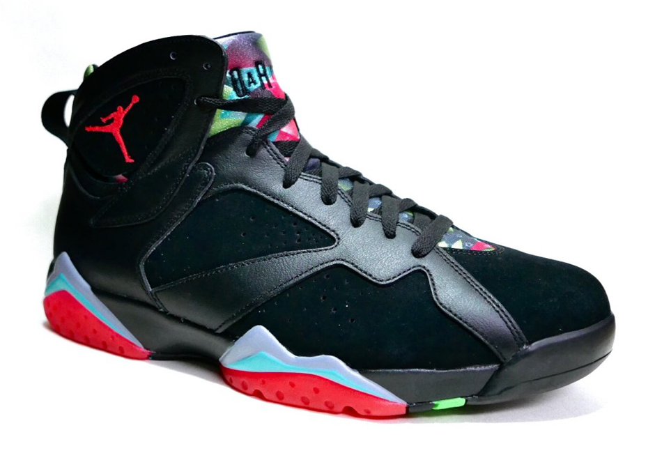 air-jordan-7-remastered-black-white-blue-graphite-infrared-23-1